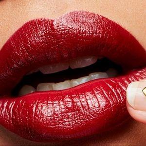 MAC Amplified Créme Lipstick, Dubonnet 108